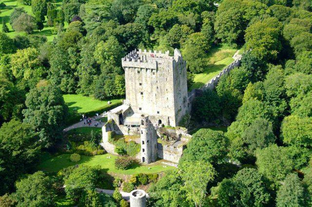 IRELAND'S CASTLES, 8 days